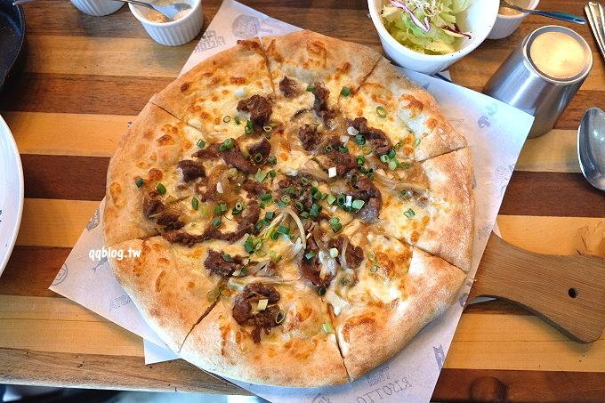 台中沙鹿︱披薩工廠@沙鹿廠.平價工業風格pizza餐廳,還有燉飯、義大利麵、炸物和點心,聚會的好選擇 @QQ的懶骨頭