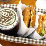 台中大雅︱康久菓子工坊.大雅人氣麵包店,每天出爐的麵包口味都不一樣,不知不覺就會拿上一大盤 @QQ的懶骨頭