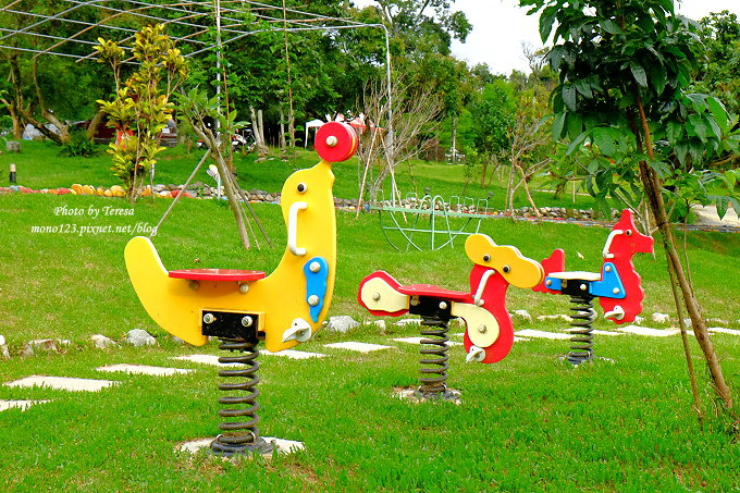 1513163464 0cd179e8a61e11d05fb84190334ea086 - 台中東勢︱廚匠白俄羅斯娃娃的家.變身為親子餐廳的白俄羅斯料理,大草坪、沙坑、戲水池、餵魚池和多種小遊戲,現在還有露營區,很適合溜小孩…