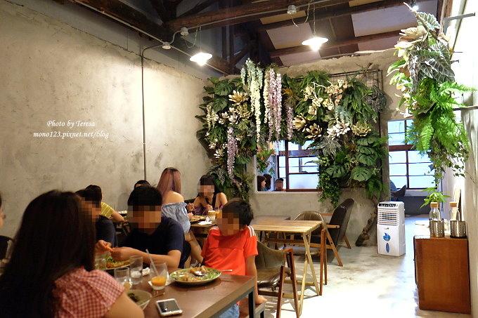 1513163654 82ca9359870799e293c4f64fb86444a9 - 台中西區︱SALADAENG CAFE`ศาลาแดง.主打泰式料理的網美打卡餐廳,只可惜泰味不足