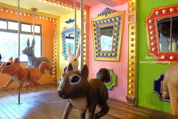 1513163732 8ef260464c0a6f2f18f222dc5542f30f - 台中西區︱艸水木堂.審計新村裡的新景點,以外帶餐點為主,但藏有旋轉木馬在裡面,IG打卡新地標