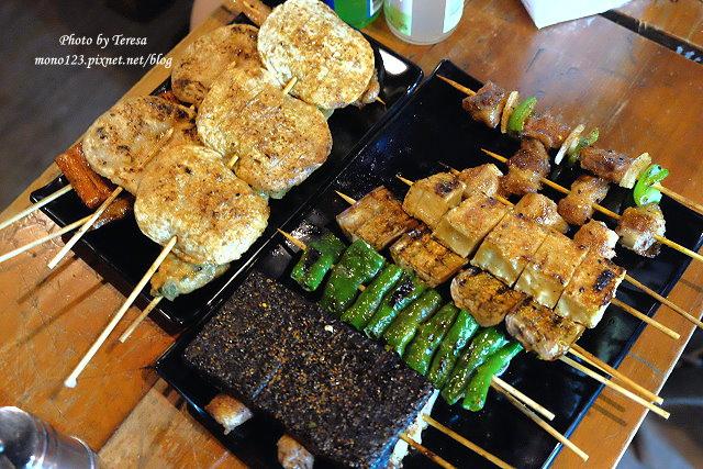 【台中逢甲】一串入魂Dozo串燒.藏身在小巷弄裡的日式串燒店,提供免費的昆布湯,更有日式串燒少見的豆干、米血、豆腐和甜不辣,入味好吃又不油膩 @QQ的懶骨頭