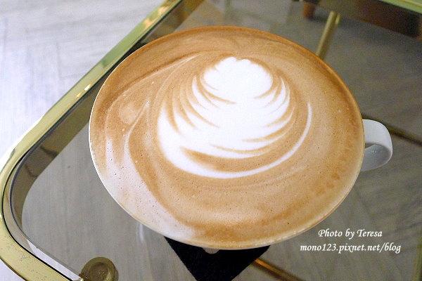 【台中西區.下午茶】L`espacecaf`e 老陳咖啡.老宅新氣象,餐點以輕食為主 @QQ的懶骨頭