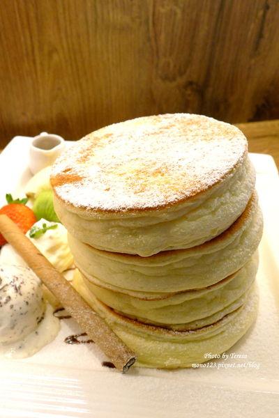 【台中西區.下午茶】小豚輕食 Kobuta brunch .厚鬆餅真的好好吃 @QQ的懶骨頭