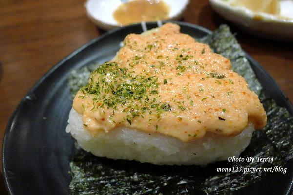 【台中北屯.日式料理】樂座炉端燒Rakuza Robatayaki.新鮮食材看得到,吃巧不吃飽的日式居酒屋 @QQ的懶骨頭