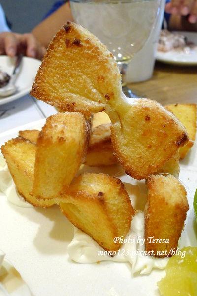 【台中西屯區下午茶】樂昂咖啡 Love One Pancake Cafe.蜜糖領結還是最吸睛 @QQ的懶骨頭
