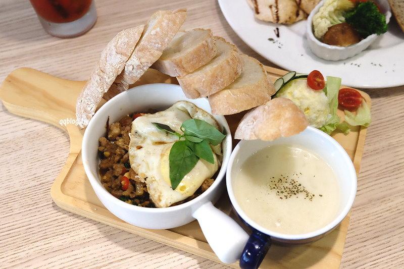 台中豐原︱晨間食光 Le matin.巷弄裡簡約溫馨的鄉村風格早午餐,餐點精緻、食材用心看得見 @QQ的懶骨頭