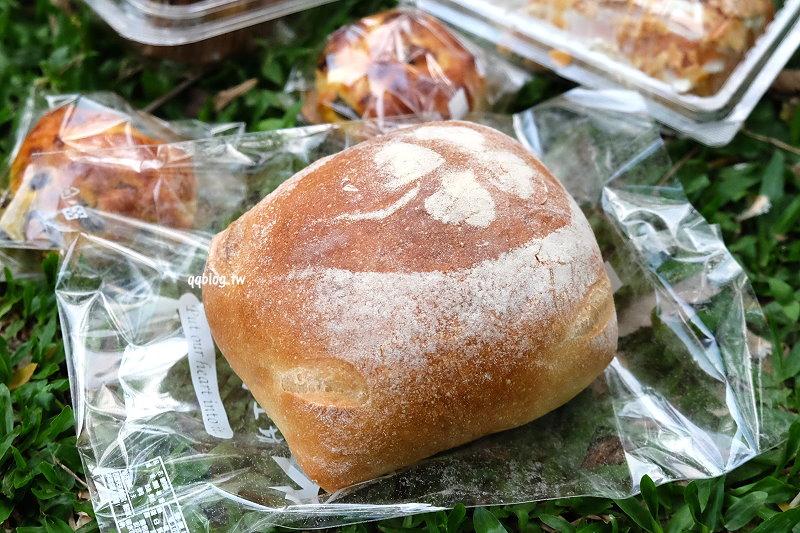 1527092284 6db9910c20bfd0fd6bd2d7ed17ac3f44 - 台中大雅︱康久菓子工坊大雅人氣麵包店,友人力推的肉鬆小貝,冰過更好吃