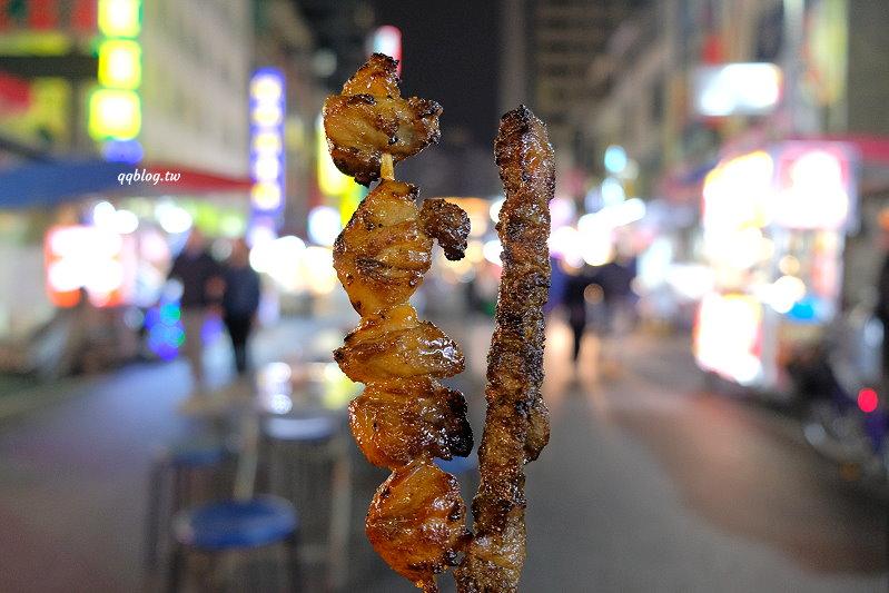 高雄六合夜市︱烤肉之家vs林家八寶冰.微微焦香味的美味烤肉,香甜暖呼的湯圓,六合夜市美食推薦 @QQ的懶骨頭