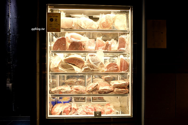 台中南屯︱Beef King.日本頂級A5和牛、澳洲M9+和牛吃到飽,不用飛出國一次就可以吃好吃滿 @QQ的懶骨頭