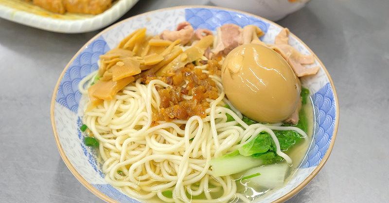 台中豐原︱陽春麵招待所.八方夜市旁的平價小吃,不管是飯或麵口味都不錯,點滿一桌也不傷荷包 @QQ的懶骨頭