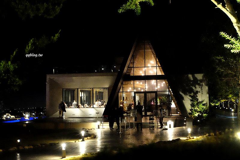台中沙鹿︱黑森林景觀餐廳.清水模打造的三角形建築景觀餐廳,台中夜景景觀餐廳推薦 @QQ的懶骨頭
