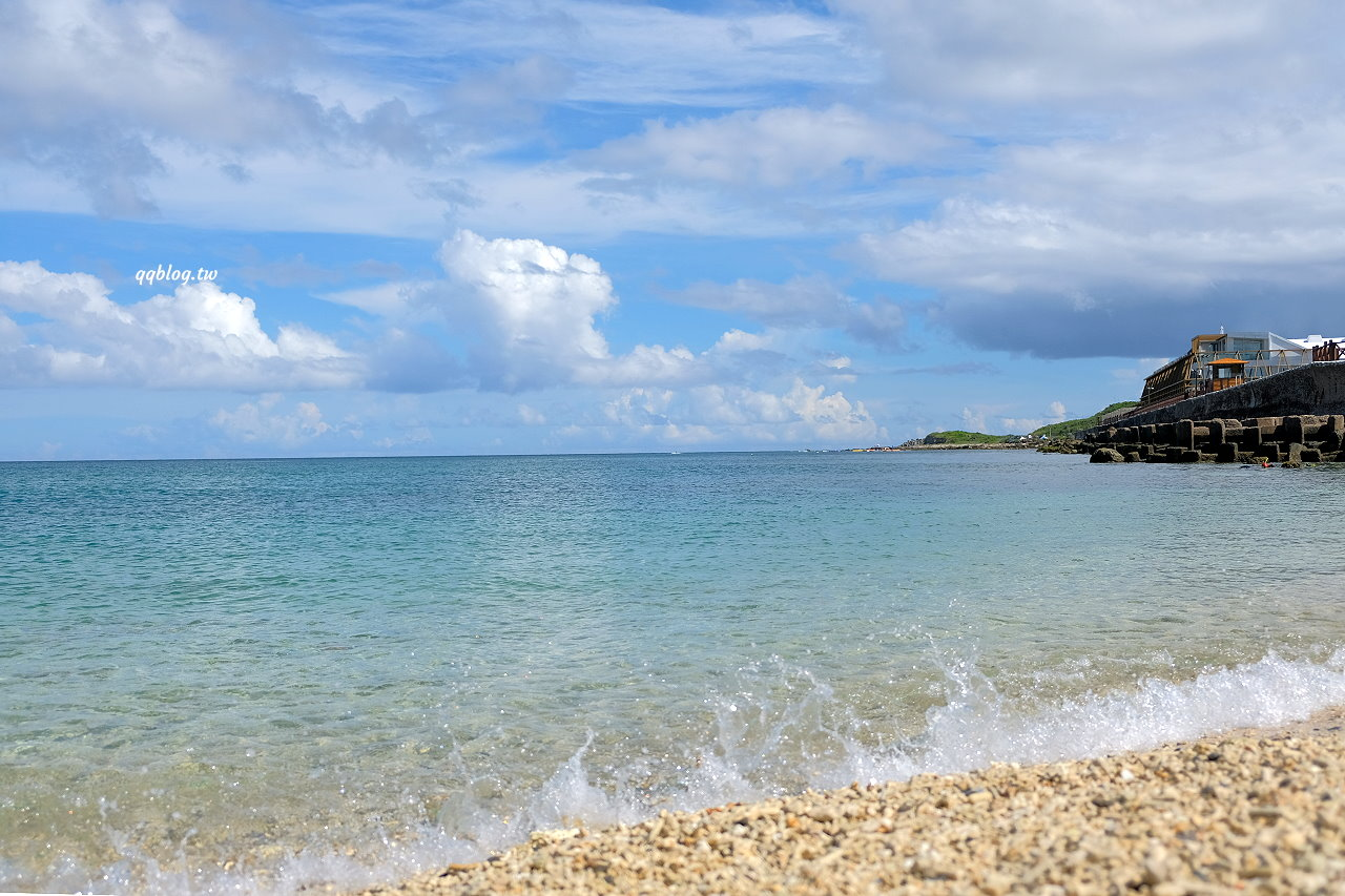屏東恆春︱星砂灣.一望無盡的海岸線,還有著超美麗的漸層海水,怎麼拍怎麼美 @QQ的懶骨頭