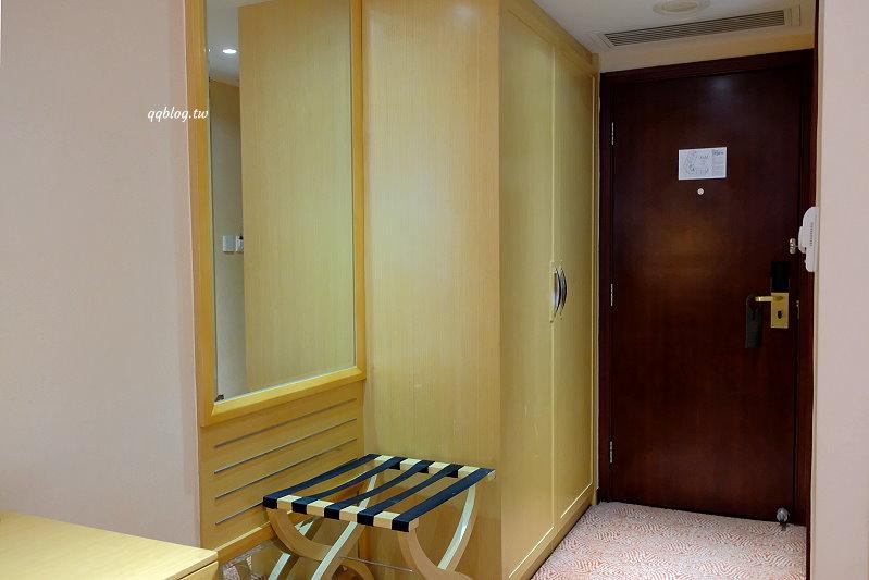 澳門住宿︱君怡酒店.氹仔四星級酒店,飯店對面有超市和7-11,近官也街,有穿梭巴士接駁車到外港客運碼頭 @QQ的懶骨頭