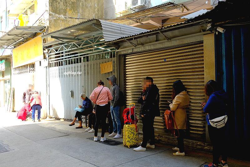 澳門︱芬記燒臘.人氣排隊燒臘店,只賣平日11:00~13:00的2小時,假日吃不到,晚來也吃不到 @QQ的懶骨頭