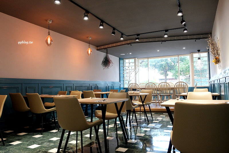 桃園中壢︱Esme`e 手作料理.藍白色風格質感義式餐廳,近中壢SOGO @QQ的懶骨頭