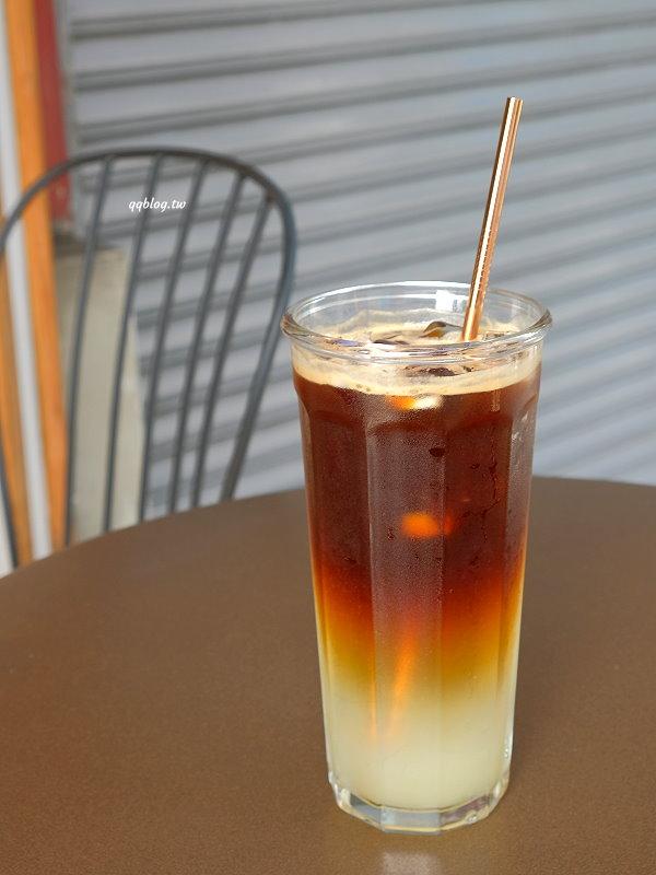屏東琉球︱慢板咖啡-小琉球外帶店.咖啡、奶茶都好喝,還有免費提供冰霸杯使用,小琉球咖啡推薦 @QQ的懶骨頭