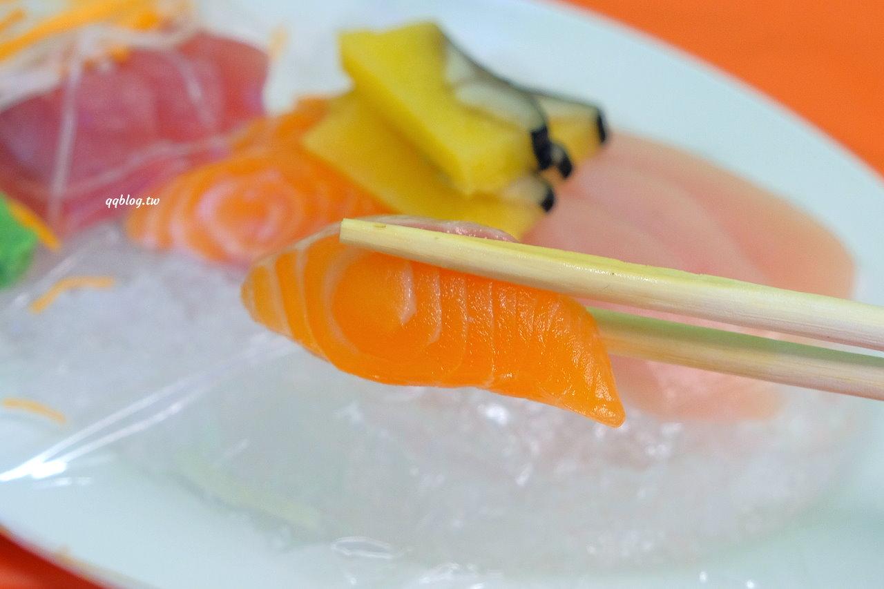 屏東恆春︱阿興生魚片 A Shin Sashimi.墾丁必吃生魚片,厚切生魚片20片只要100元,吃完只有大大的滿足 @QQ的懶骨頭